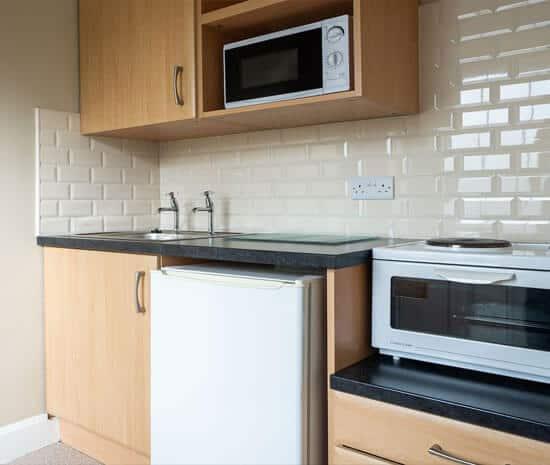 Standard Room Mini Kitchen at Belmore Court & Motel in Enniskillen