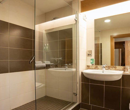 Superior Ensuite with Walk in Shower